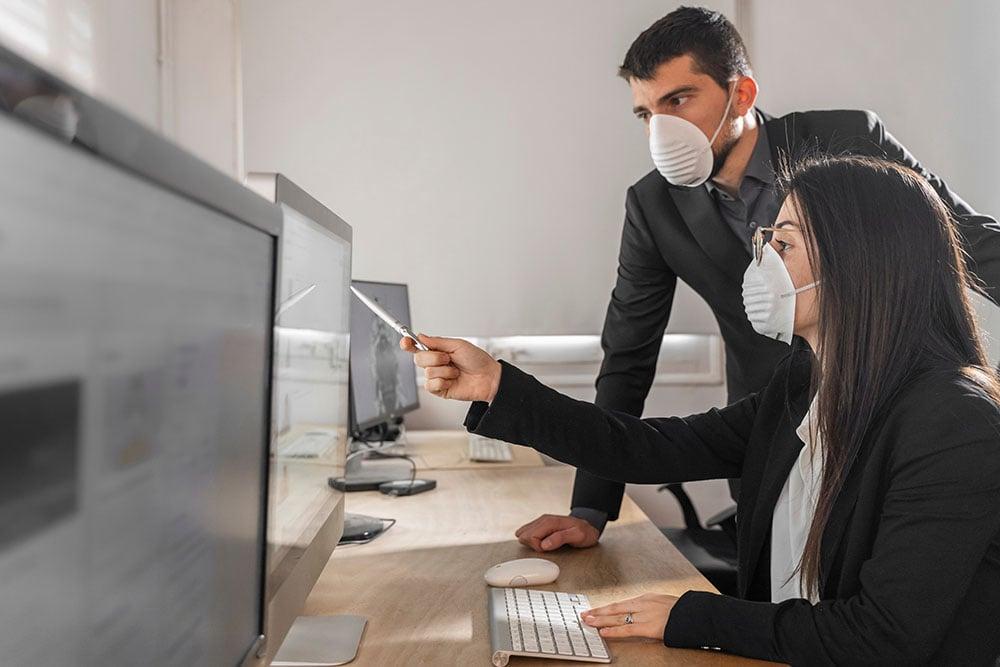 感染者数と経営指標